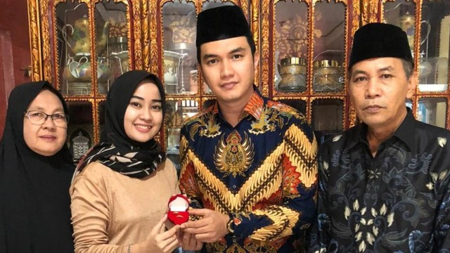Resmi Lamaran, Aldi Taher dan Salsabillih Akan Menikah Bulan September (1)