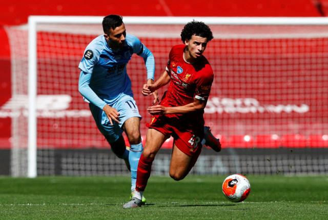 Foto: Burnley Tahan Imbang Liverpool di Anfield (5513)