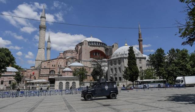 Hagia Sophia Jadi Masjid, Gli Si Kucing Tetap Boleh Tinggal (327413)