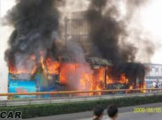 Zhang Yunliang, Pelaku Bunuh Diri Massal dan Tragedi Bus Chengdu (66635)