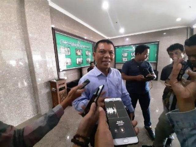 Kisruh PPDB di Kepri, Uba: Penyakit Menahun yang Tak Kunjung Tuntas (68)