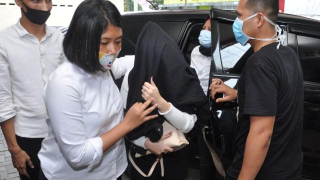 Sebelum Ditangkap Polisi, Artis HH Sudah Terima Rp 20 Juta (1293)