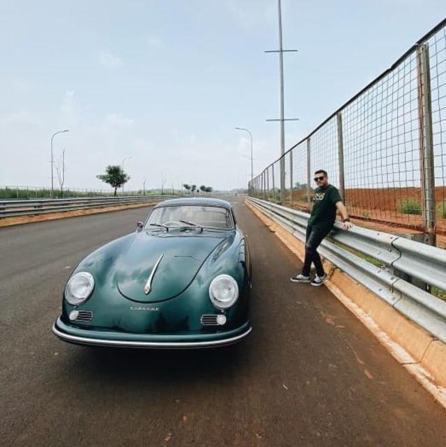 Cara Rifat Sungkar Hibur sang Ayah dengan Porsche 356a Klasik (369)