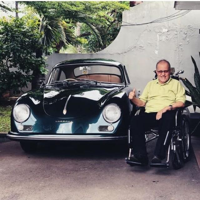 Cara Rifat Sungkar Hibur sang Ayah dengan Porsche 356a Klasik (370)
