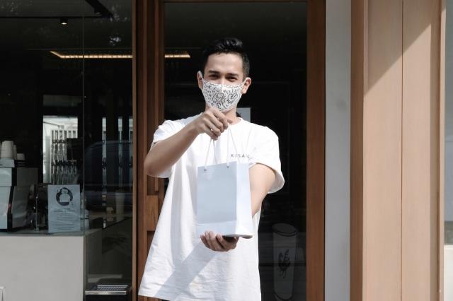 Protokol Baru, Kedai Kopi Kisaku Milik Raline Shah Sarankan Pembeli Bawa Tumbler (45832)