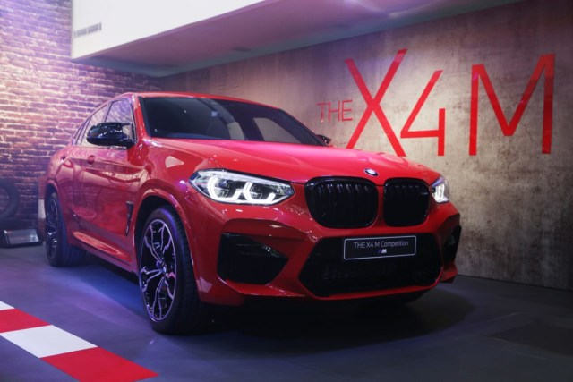 Duel BMW X4M vs Mercedes-AMG GLE 53 Coupe, Mana yang Paling Buas? (21312)