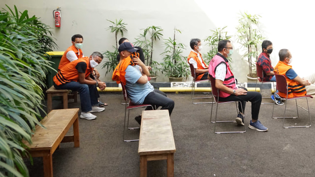 Eks Komisioner KPU hingga Mantan Dirut Jiwasraya Jalani Swab Test di Rutan KPK (7128)