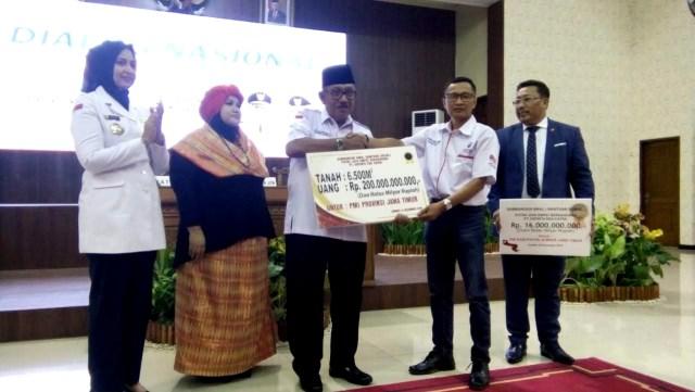 Kisah Sultan Jember, Bupati, PMI, dan Uang Rp 16 Miliar (276028)