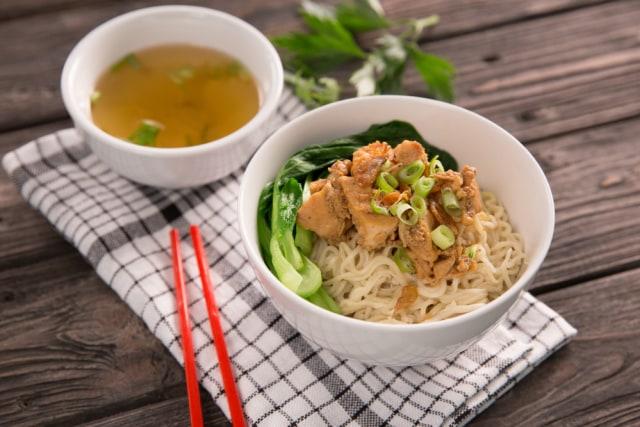 Viral! Tempat Makan Mi Ayam di Fatmawati Ini Terima Bayar Seikhlasnya untuk Amal (322194)