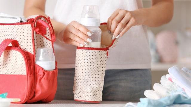 Menyeduh Susu Formula di Rumah untuk Dibawa Bepergian Ternyata Merugikan Bayi (54565)
