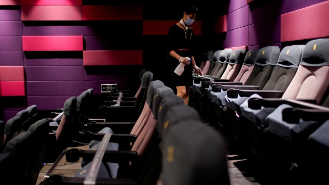 Ganjar Beri Masukan Agar Bioskop Tak Buka Dulu: Bagaimana Kalau Ada Droplet? (128632)