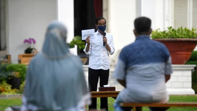 Jokowi: Saya Harap Tidak Ada yang Menolak Vaksin Corona (30280)