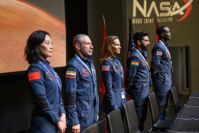 Hilary Swank Pimpin Misi Berisiko Tinggi ke Mars di Serial Netflix Terbaru (26537)