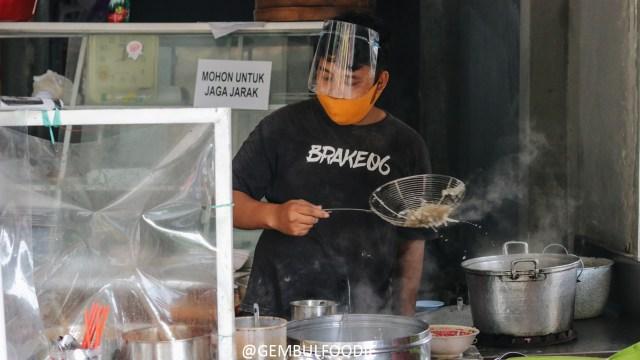 Kenikmatan Mi Sapi Banteng yang Antreannya Bisa sampai Dua Jam di Yogyakarta (65603)