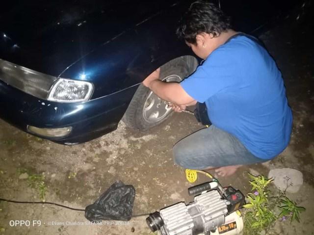ACJJ, Pasukan Penyelamat  Ban Bocor dan Motor Mogok di Jalanan Jogja Malam Hari (528632)