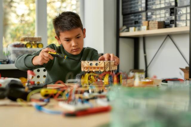 Mengenal Makerspace, Ruang untuk Asah Pola Pikir Logis dan Kreativitas Anak (634156)
