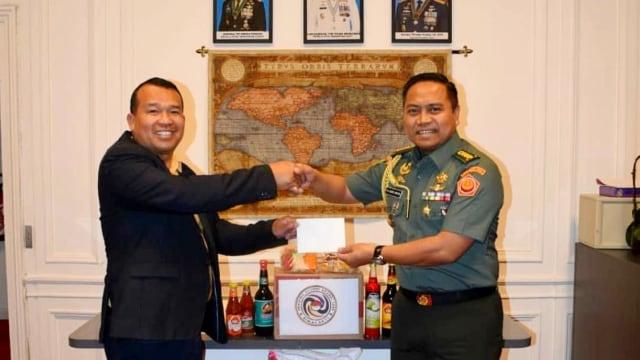 Aksi Akabri '95 dari TNI dan Polri di Berbagai Negara Rayakan 25 Tahun Mengabdi (390688)