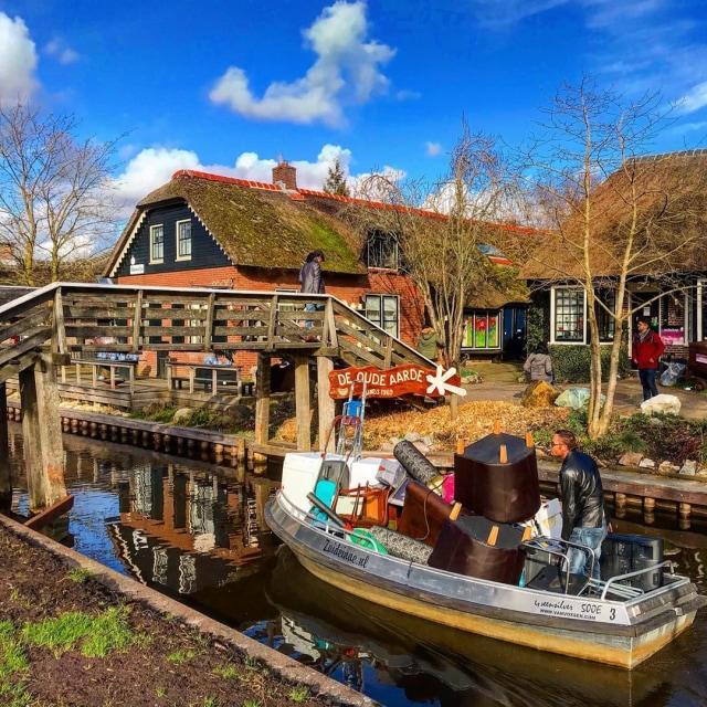Giethoorn, Desa Paling Bersih di Dunia tanpa jalan raya