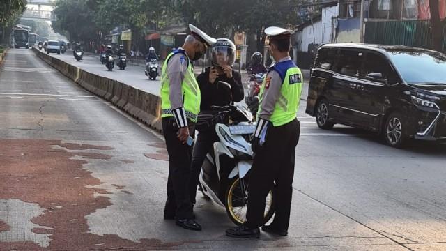 SIM Bisa Dicabut bagi Pelanggar Lalu Lintas (383045)