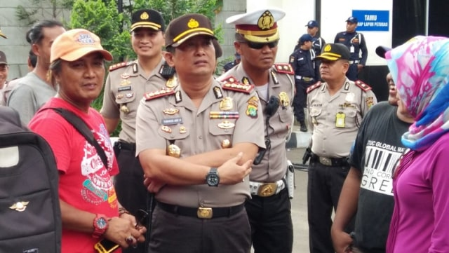 Polisi Sudah Evakuasi Benda Diduga Bom di Depan Rumah Petinggi KAMI Ahmad Yani (195280)