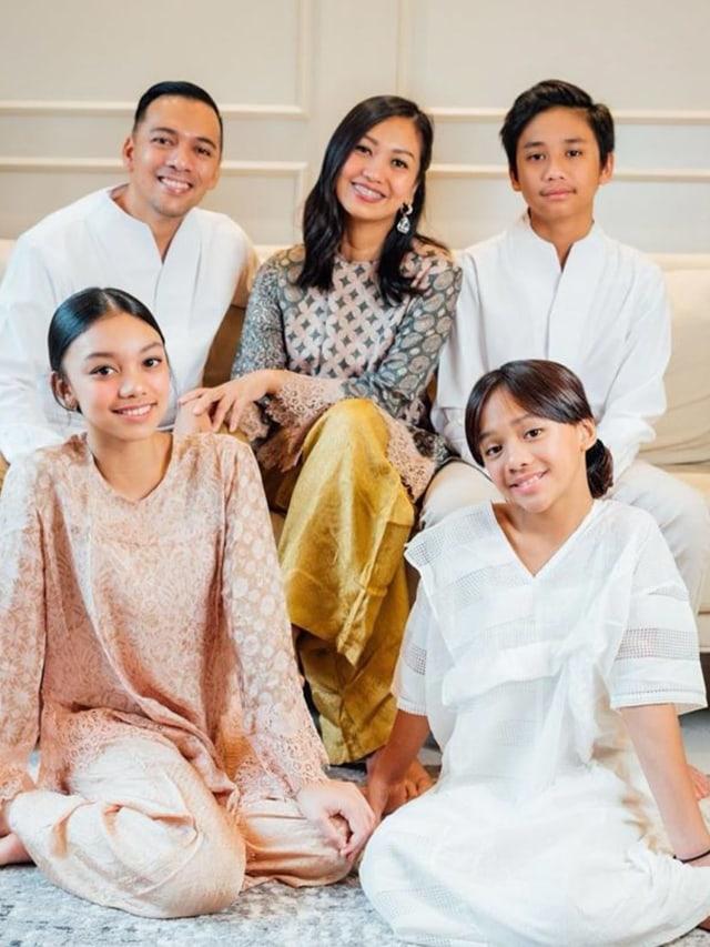 Kompaknya Naura dan Keluarga Memulai Konser Virtual Semesta Cinta (116365)