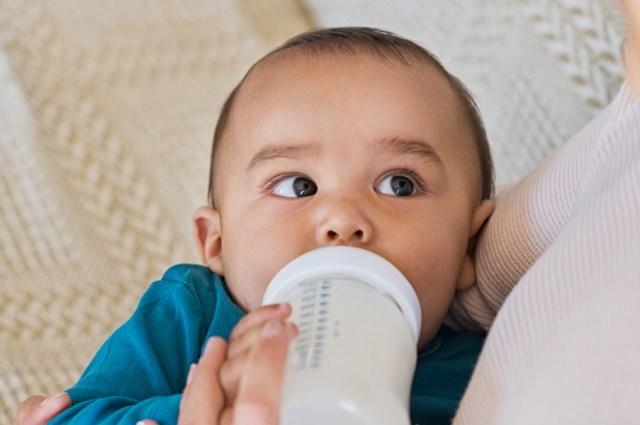 Bayi yang Diberi Susu Formula Tidak Dekat dengan Ibunya, Mitos atau Fakta? (219932)