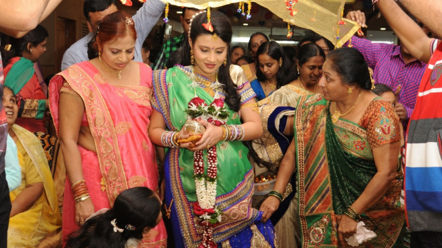 Tradisi Unik India untuk Ibu Hamil dan Bayi yang Akan Lahir  (618411)