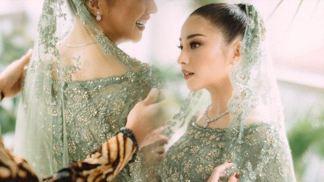 Jelang Pernikahan, Nikita Willy Bagi-bagi Bingkisan Bridesmaid Mewah (35451)