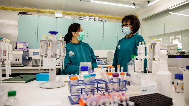 Hebat, Peneliti Perempuan Ini Lakukan Riset DNA COVID-19 dalam Kondisi Hamil (33967)