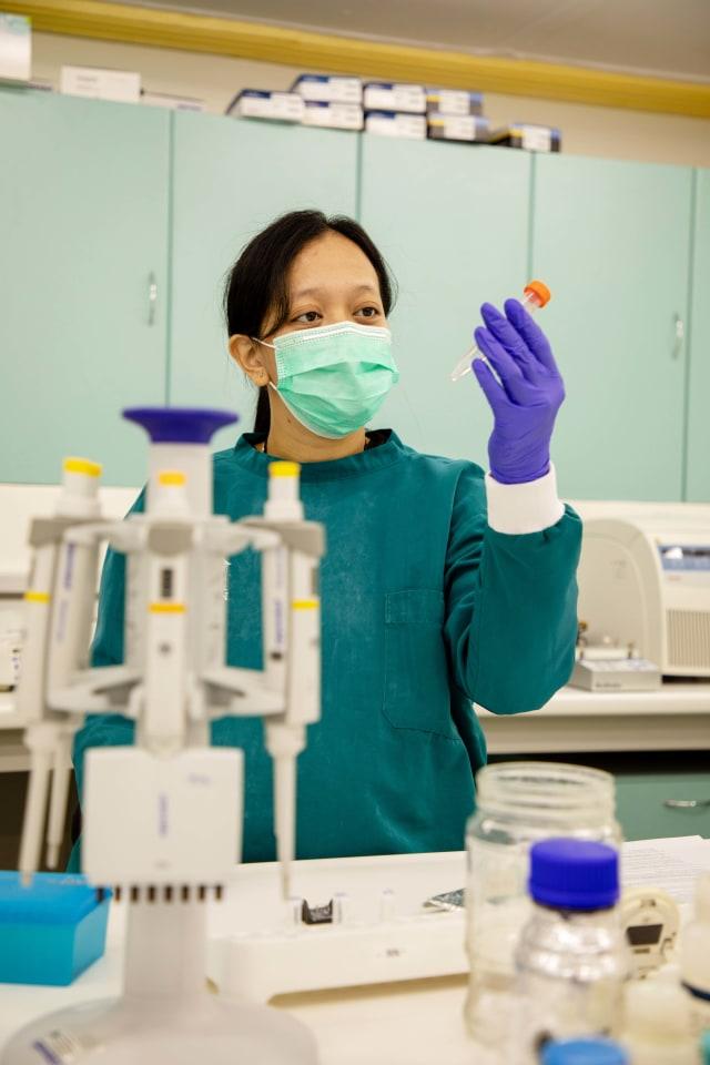 Hebat, Peneliti Perempuan Ini Lakukan Riset DNA COVID-19 dalam Kondisi Hamil (33965)