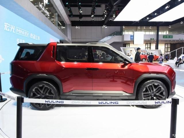 Wuling Hongguang X, Si SUV Baru yang Serba Kotak (618589)