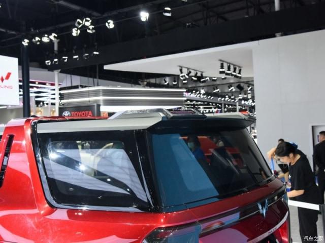 Wuling Hongguang X, Si SUV Baru yang Serba Kotak (618590)