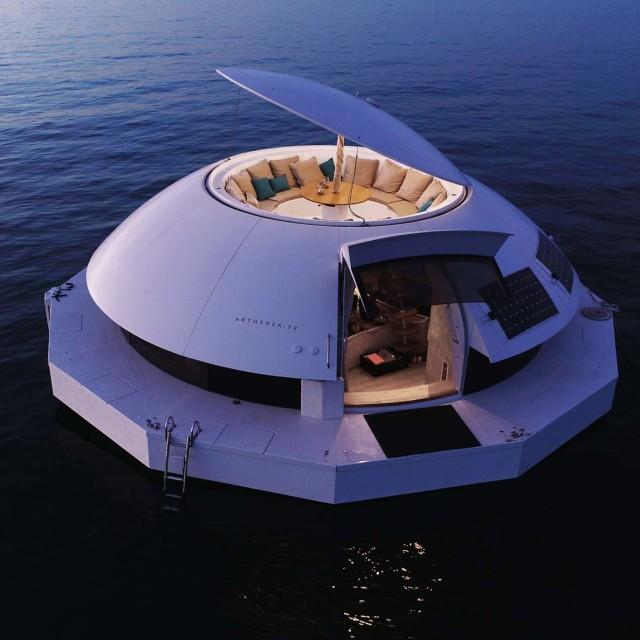 Terinspirasi James Bond, Penginapan Ini Tawarkan Sensasi Menginap di Tengah Laut (142180)