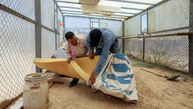 Foto: Pengungsi Suriah Manfaatkan Kasur Bekas untuk Tanaman Hidroponik (316124)