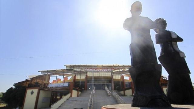 Telan Biaya Puluhan Miliar, Tempat Wisata di Indramayu Ini Kini Terbengkalai (633956)