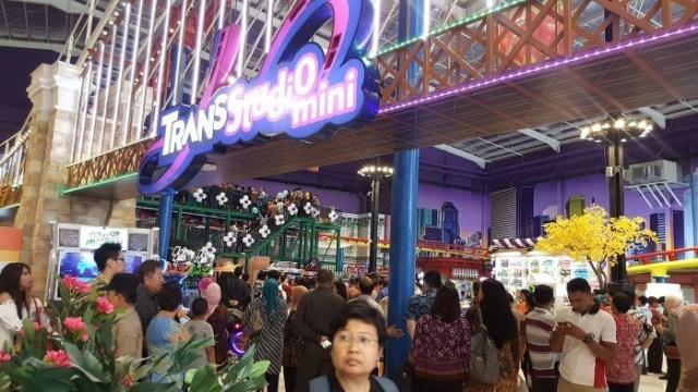 Transmart Bantah Gerai di Palembang Tutup karena Karyawan Positif COVID-19 (223709)