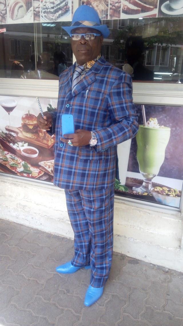 Viral, Pria Asal Kenya Ini Punya 160 Jas dan 300 Topi untuk Tampil Nyentrik (36899)