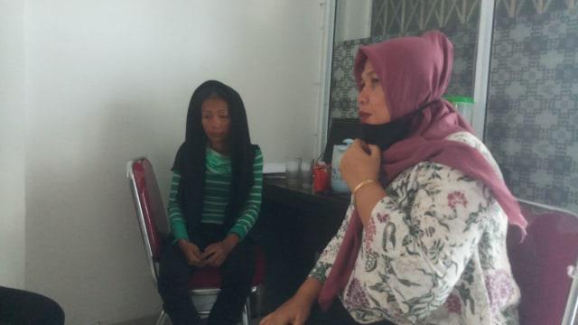 Haru! Anak Meninggal Tidak Ada Biaya, Suami Dipenjara Karna Berkhianat   (255050)