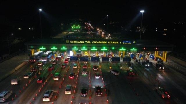 Puncak Arus Balik Idul Adha Tol Cikampek: Contraflow dan Macet Jelang Rest Area (33452)