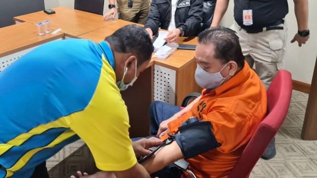 Bercelana Pendek, Begini Penampakan Djoko Tjandra saat di Pesawat Khusus (2)
