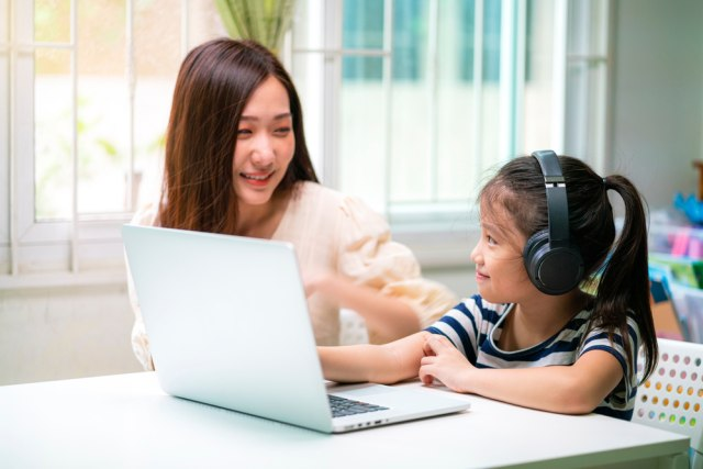 Tips agar Anak Bisa Efektif Belajar di Rumah (251281)