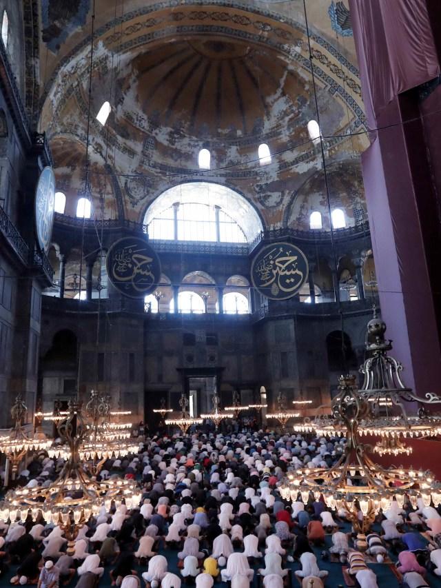 Foto: Salat Idul Adha Perdana di Hagia Sophia yang Dipadati Ribuan Orang (523935)
