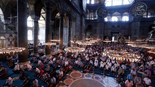 Hagia Sophia Jadi Klaster Baru Penularan Corona, 500 Orang Dinyatakan Positif (15399)