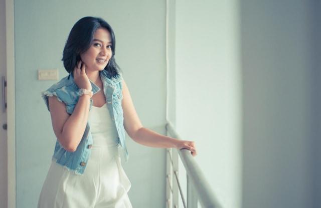 Sisca Monny, Penyanyi Berdarah Ambon Ambil Hati Pendengar (27770)