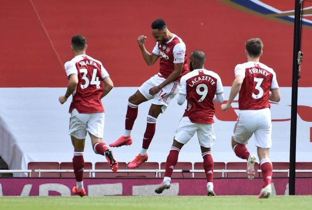 Arsenal Juara Piala FA (34701)