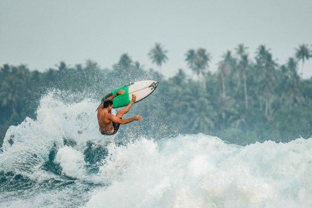 Plengkung, Surga Tersembunyi Banyuwangi yang Jadi Lokasi Liga Surfing Dunia (373287)