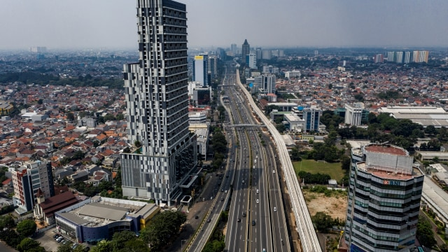 Foto: Progres Pembangunan LRT Jabodebek Lintas Pelayanan II (10000)