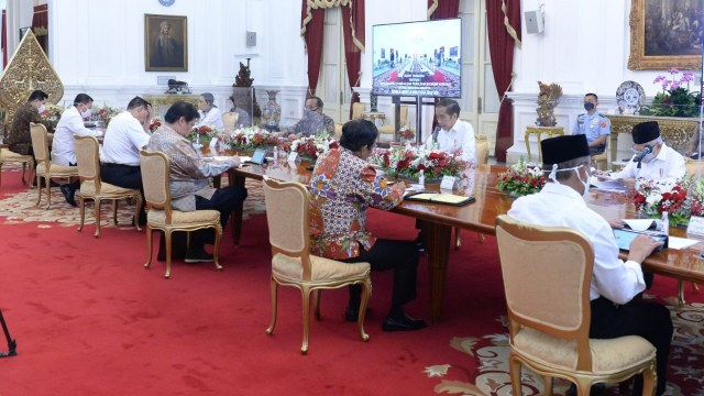 Makna Kemarahan Jokowi: Testing Water hingga Cambukan ke Menteri agar Malu (28703)