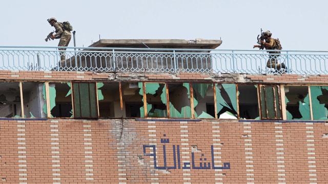 Foto: Tentara Afghanistan dan ISIS Baku Tembak di Jalalabad (121)