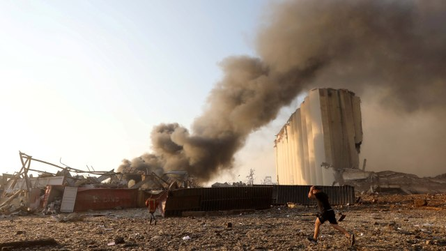 TNI Bantu Evakuasi Korban Ledakan di Lebanon (11459)